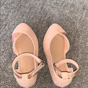 Toddler light pink dress shoes